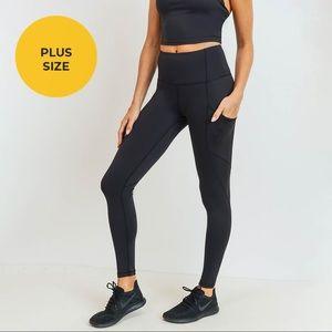 NWT!💕 Solid & Slanted Panel Highwaist Leggings